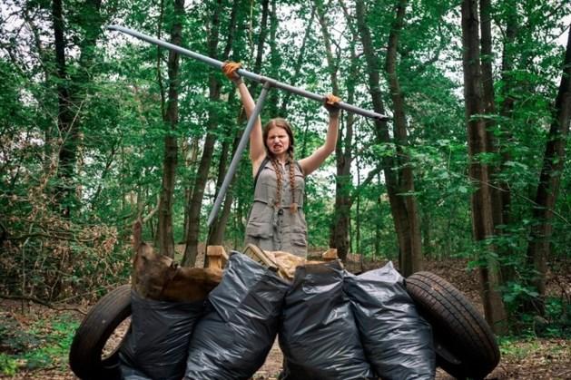 Verjaardagsfeest: Niels haalt 40 kilo rommel uit bos
