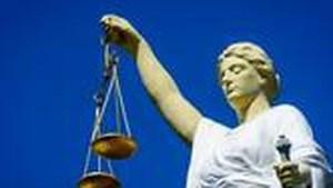 'Moordende femme fatale' hoort 20 jaar cel tegen zich eisen
