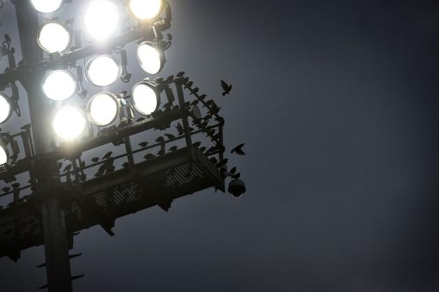 Clubs, gemeenten en supporters schieten plan voor zondagavondvoetbal in recordtijd af
