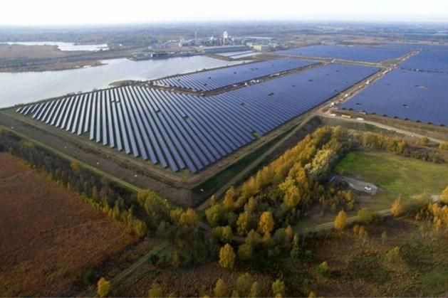 Bijna honderd Brabanders investeren in zonnepark zinkfabriek Budel