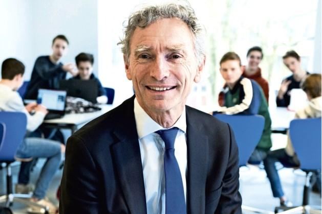 Paul Rosenmöller in Sittard in gesprek met aankomende leraren