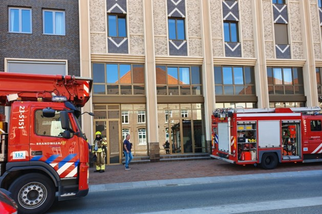 Roerkade in rep en roer door rokende barbecue hotel