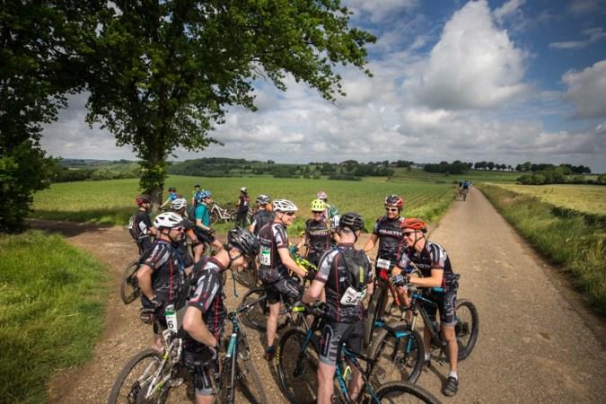 Netwerken tijdens Limburgs Mooiste leuker dan golfen: 'Wielrennen is laagdrempelig en afwisselend'