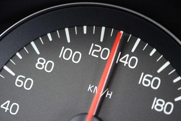 'Autoverzekering jongeren twee keer zo duur'