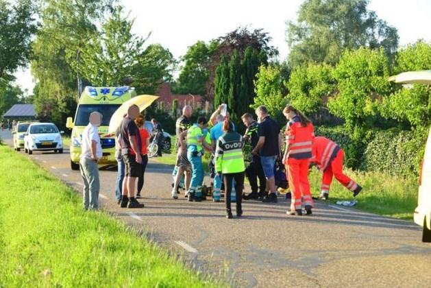 Traumahelikopter in actie voor gevallen fietser in Grashoek