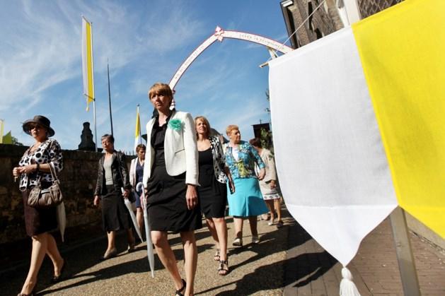 Sacramentsprocessie in Spekholzerheide
