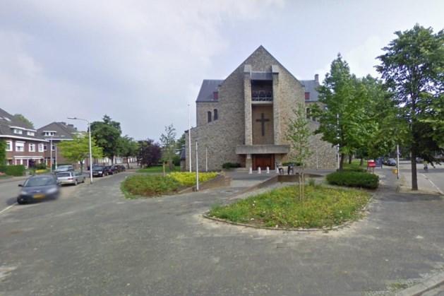 Kerk in Kerkraadse wijk Holz plotseling dicht vanwege scheuren