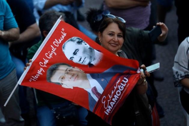 Oppositie wint in Istanboel: pijnlijke nederlaag voor Erdogan