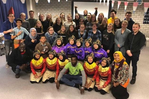 Leerlingen Sint Ursula Horn op wereldburgerstage naar Java