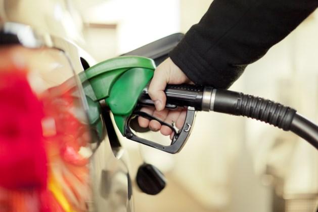 Waarom je je auto niet moet voltanken bij temperaturen van 30 graden en hoger