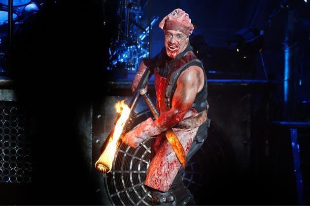 Immens populaire shockrock van Rammstein: nauwelijks op de radio, uitverkochte Kuip