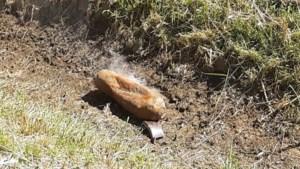 Rokend explosief in berm is oude vliegtuigbom uit WO II