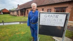 Herman (81) heeft bordje 'Vrouw gezocht' vervangen door bordje 'Te koop'