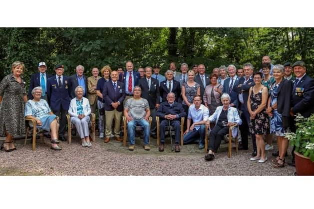 Leudalse veteranen ontvangen in raadszaal