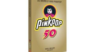 Jan Smeets en Wiel Beijer signeren Pinkpopboek