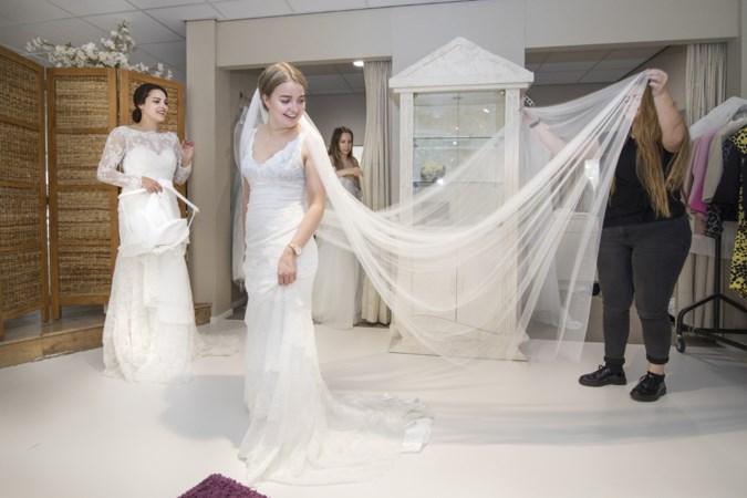 Say Yes to The Dress: geen bruiloft, maar toch trouwjurken passen als dagje uit