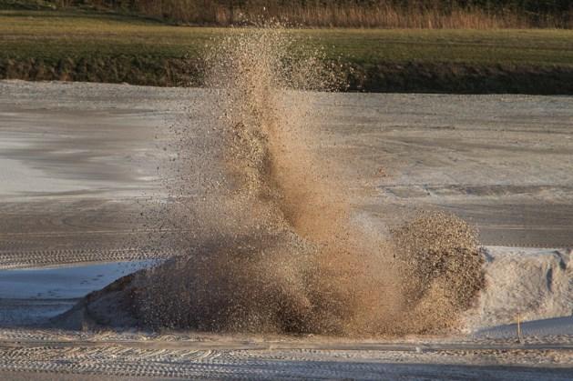 EOD brengt explosieven uit WOII tot ontploffing in Posterholt