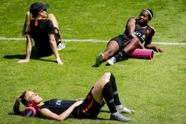 Oranje traint dag voor finale zonder Martens