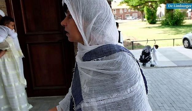 Video: Eritrese gelovigen houden eerste gebedsdienst in Fatima Huis in Weert