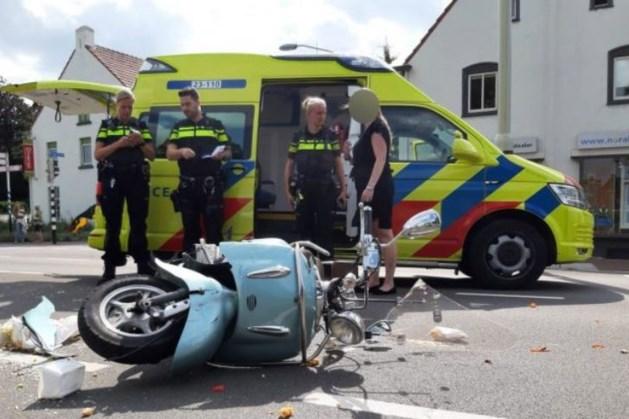 Scooterrijder zwaargewond na aanrijding met auto