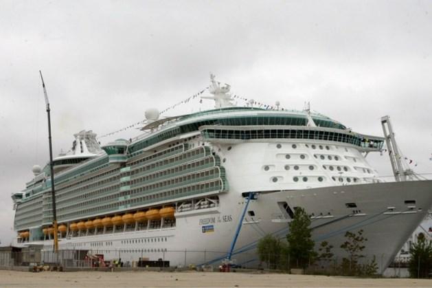 Tragisch ongeluk op cruiseschip: peuter valt tijdens het spelen met opa en overlijdt