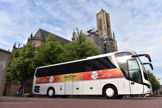 Arnhem wil per bus Songfestival veroveren in Hilversum, maar belandt in file