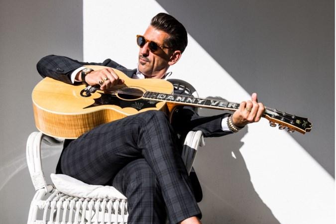 Populaire hitzanger Danny Vera: 'Wat ik zeg en zing moet oprecht zijn'