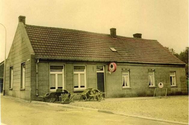 Uit de oude doos: Dorpscafé 'biej Betje' in Haelen