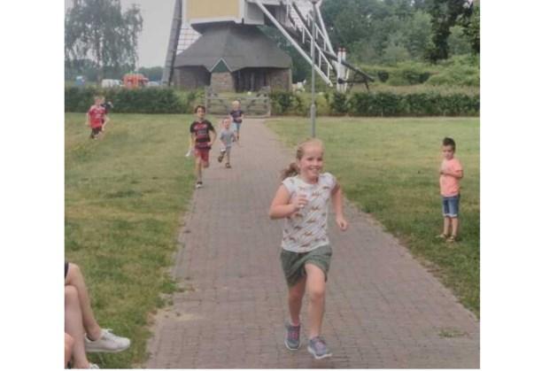 Baexemse kinderen rennen voor Samen Zorgen Huis Leudal