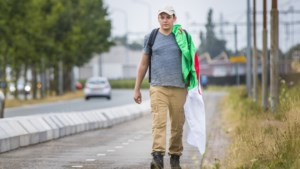 Enige Algerijnse deelnemer aan Vierdaagse wandelt bijna iedere dag naar werk in Hegelsom