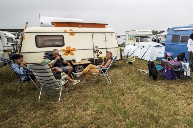 Proost vanaf de campercamping van Bospop: 'Het is al ergens op de wereld twaalf uur'