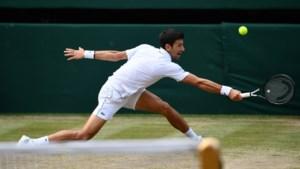 Djokovic klopt Federer in langste finale ooit