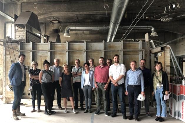 Jury erfgoedprijs bezoekt Greswarenfabriek in Reuver