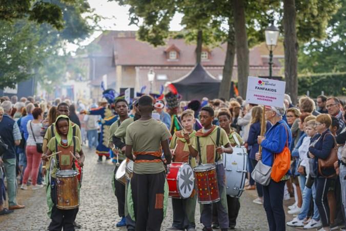 Elsloo bruist tijdens wereldfeest