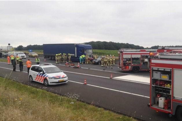 A73 weer vrij na urenlange afsluiting door zwaar ongeluk