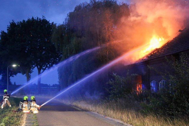 Gewonde bij brand in woonboerderij Panningen