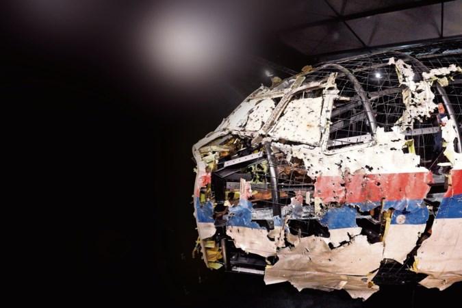 Man die deur MH17 sloot: 'Ik zie dat meisje nóg zitten'