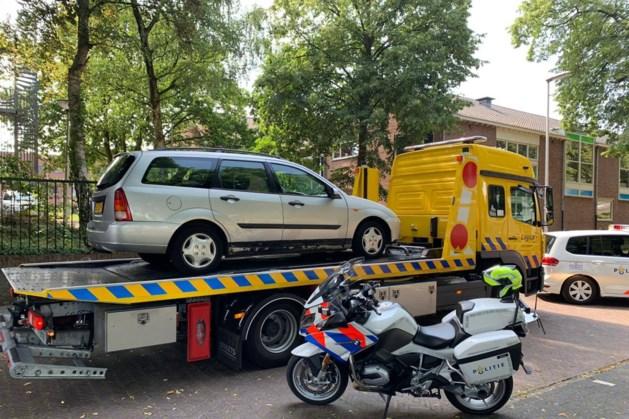 Automobilist voor de achtste keer zonder rijbewijs betrapt: auto vernietigd