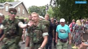 Video: Met 15 kilo bepakking over Zevenheuvelenweg