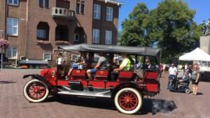 Pronken met bijzondere voertuigen tijdens de Geleense Oldtimer Parade