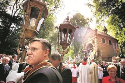 Sittard houdt zich na 350 jaar nog steeds aan belofte om stadspatrones Sint Rosa van Lima te eren