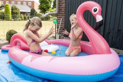 Zwembadjestest: 'Dit badje zit zo vol accessoires, je kind kan er niet meer bij'