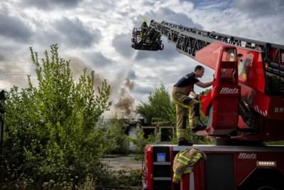 Voormalig Licom-gebouw in Landgraaf wordt volledig gesloopt na brand