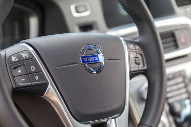 Volvo roept 500.000 auto's terug om brandgevaar motor