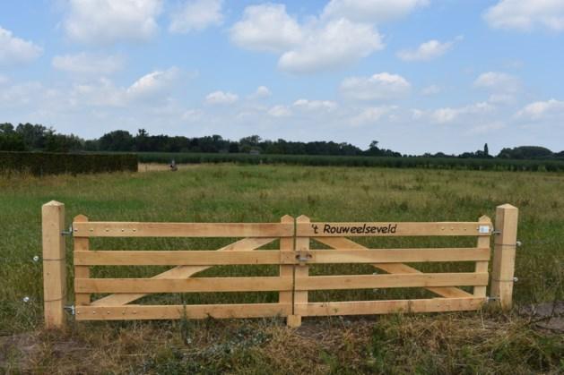 Poort 't Rouweelseveld geplaatst in Kronenberg