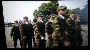 Filmpje van stuntelende Belgische cadetten gaat viraal: 'Omarm de chaos'