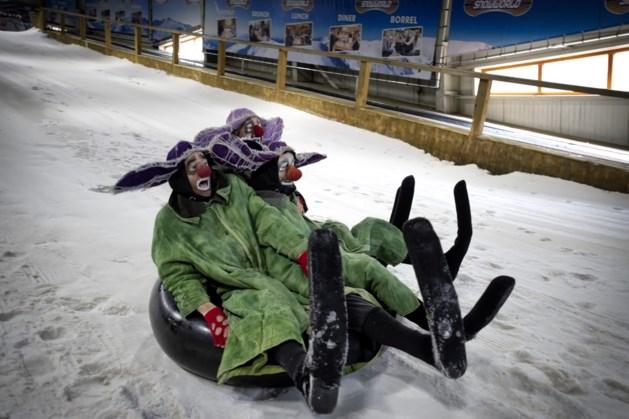 Snowworld laat mensen die puffen van de hitte gratis afkoelen op skipiste