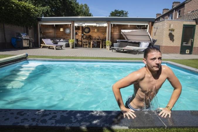 Google Earth bewijst: ook mensen in volksbuurten hebben nu een zwembad in de tuin