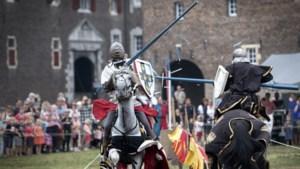 Ridderspektakel bij Kasteel Hoensbroek trekt honderden kijkers