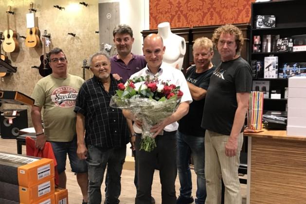 Collega's zwaaien Heerlense muziekondernemer Jeroen Arons uit